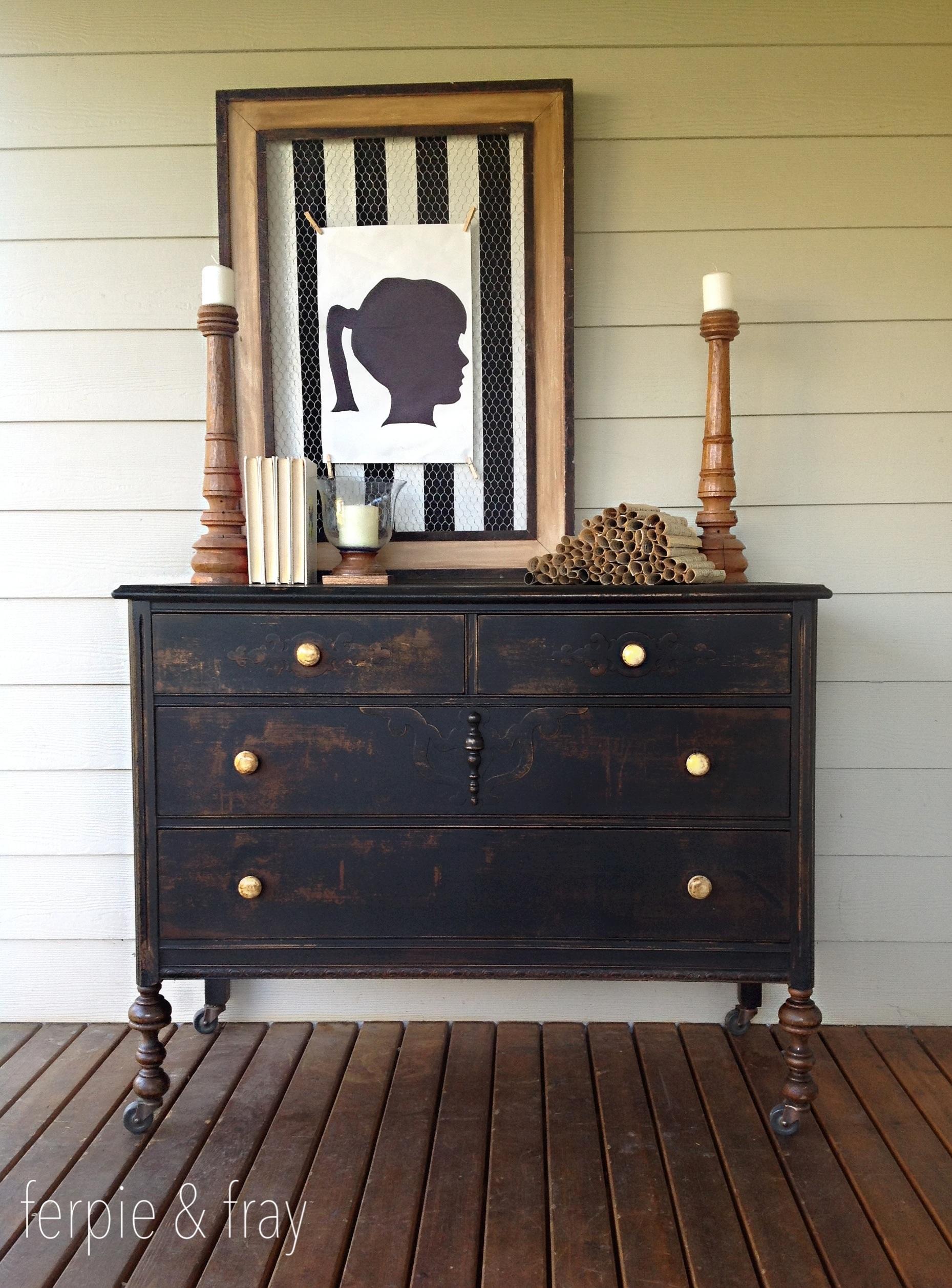 1000 images about black painted furniture on pinterest for Black chalk paint dresser